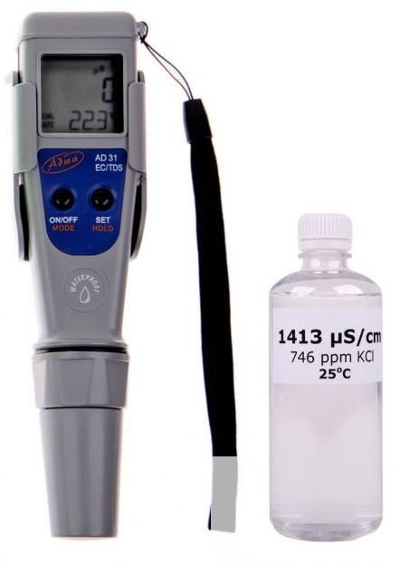 ADWA AD31 EC/TDS/T víz vezetőképesség és sókoncentrátum mérő műszer, kalibráló oldattal