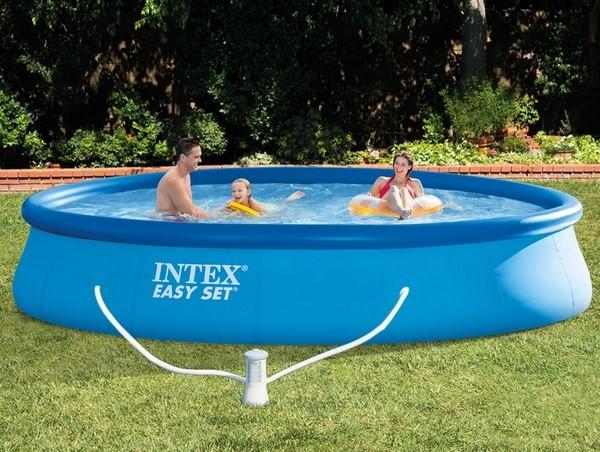 Intex 396x84cm puhafalú medence 2m3/h vízforgatóval 28142NP
